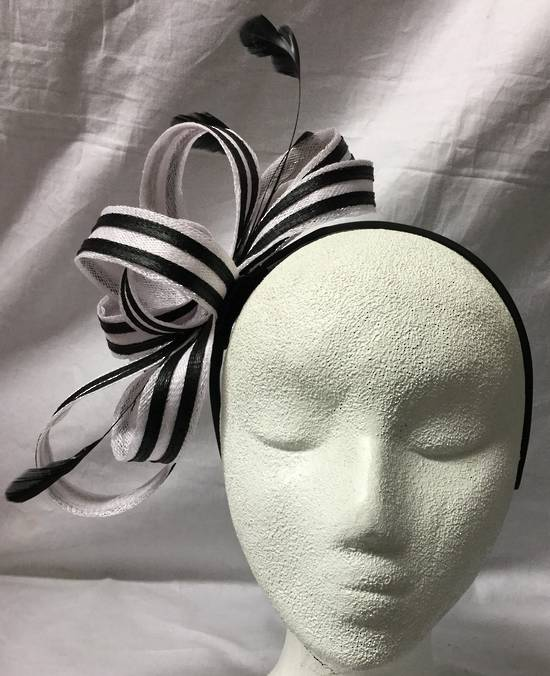 White and black two tone bow fascinator - one only