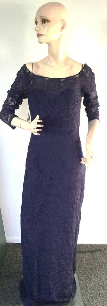 Lace full length gown with 3/4 sleeve - size 12/14 only