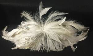 White feather fascinator - one only