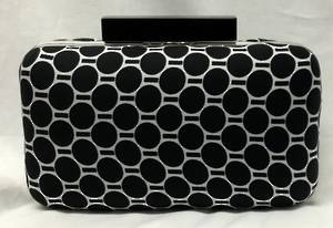 Black spot clutch - one only