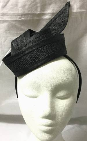 Black knot fascinator - one only