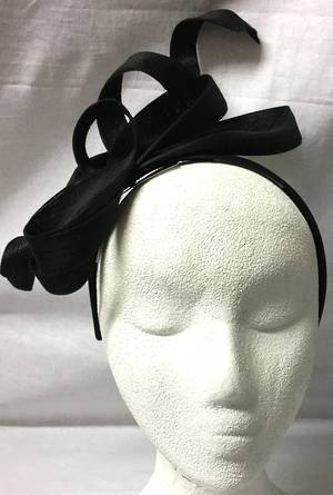 Black multi looped  and twisted fascinator - one only