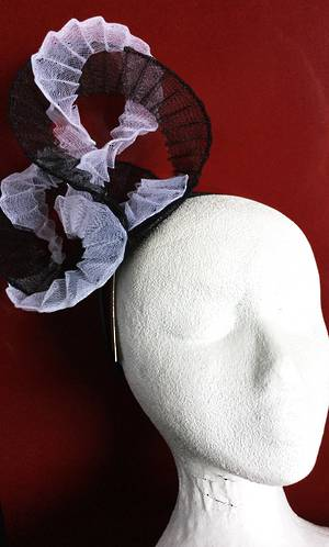 White and black fascinator - one only